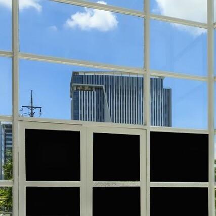 Fensterfolie schwarz blickdicht und lichtundurchlässig